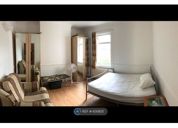 Room to rent in Rosslyn Crescent, Harrow-On-The-Hill, Harrow HA1