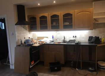 Thumbnail 1 bed flat to rent in Mid Beveridgewell, Dunfermline, Fife