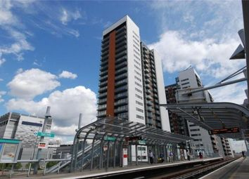 1 bed flat to rent in Blackwall Way, Canary Wharf E14
