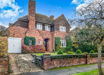 Thumbnail 4 bed detached house for sale in Manor Way, Chesham