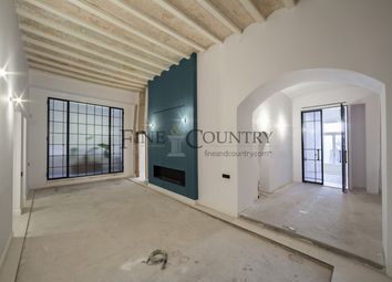 Thumbnail 3 bed apartment for sale in El Gòtic, Barcelona, Spain