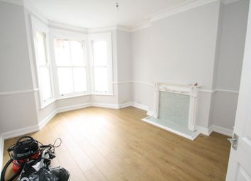 Thumbnail 2 bedroom flat to rent in Avenue Road, Westcliff-On-Sea
