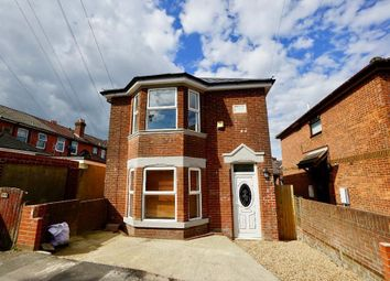 Weston Grove Road, Woolston, Southampton SO19. 4 bed detached house