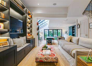 Thumbnail 5 bedroom detached house to rent in Gascony Avenue, London