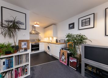 Thumbnail 2 bed flat to rent in Kiver Road, London