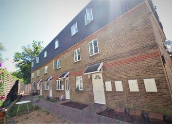 Thumbnail 3 bed property to rent in Vale Terrace, London