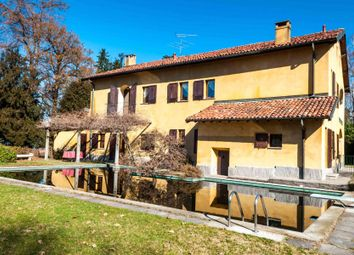 Thumbnail 4 bed town house for sale in Via Luigi Cadorna, Ispra Va, Italy