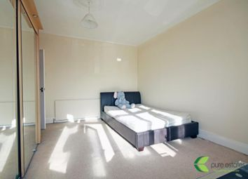 Thumbnail Room to rent in Chepstow Crescent, Ilford