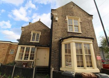 2 bed flat to rent in Canwick Road, Lincoln LN5