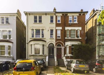 The Avenue, London W13. 2 bed flat