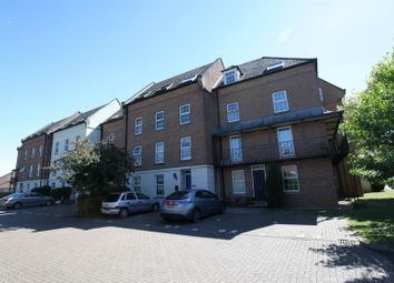 Thumbnail 2 bed flat to rent in Victoria Place, Banbury