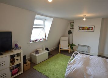 Thumbnail Studio to rent in Park Gate Court, High Street, Hampton Hill, Hampton