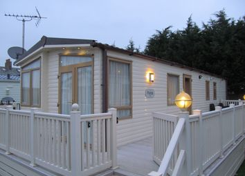 Thumbnail 2 bed mobile/park home for sale in Sea View Park (Ref 5796), Whitstable, Kent
