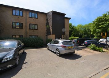 1 bed flat to rent in Victoria Road, Slough SL2