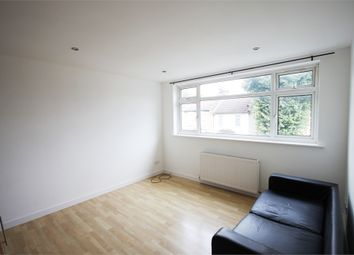 1 bed flat to rent in Raglan Court, Raglan Road, London E17