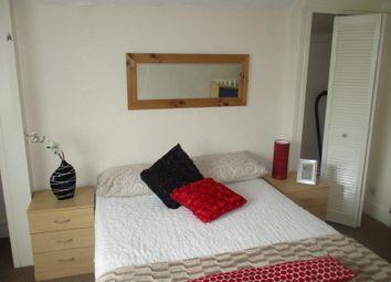 Thumbnail 1 bed flat to rent in Regent Park Avenue, Hyde Park, Leeds