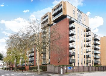 Thumbnail Flat for sale in London Road, Isleworth