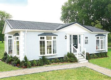 Thumbnail 2 bedroom detached bungalow for sale in Carterton, Oxfordshire