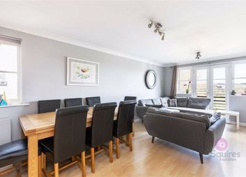 Great North Way, Hendon, London NW4. 2 bed flat for sale