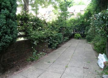 2 bed property to rent in Fawcett Close, London SW11