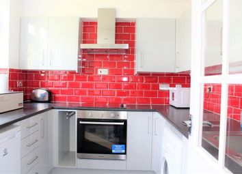 Thumbnail Flat to rent in Gatewick Close, Slough, Berkshire