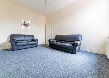 3 bed flat to rent in Simonside Terrace, Heaton, Newcastle Upon Tyne NE6