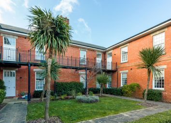 Thumbnail 1 bed flat to rent in West Park Road, Epsom
