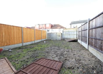 Thumbnail 2 bed flat to rent in Greenside Rd, Thornton Heath