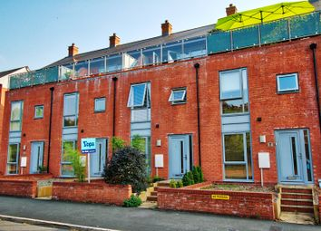 Gheluvelt, Waterworks Road, Worcester WR1. 2 bed terraced house