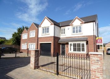 Thumbnail 5 bed detached house for sale in Sovereign Court, Sprotbrough, Doncaster