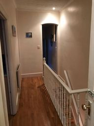 Thumbnail 1 bed flat to rent in Keepel, London