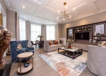 2 bed flat to rent in Latchmere House, 5 Barrons Chase, Richmond, Surrey TW10
