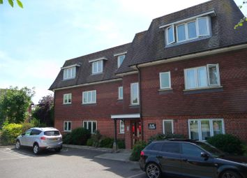Thumbnail 2 bed flat to rent in Bath Road, Thatcham