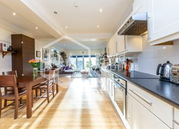 Thumbnail 2 bed flat for sale in Crouch Hill, London