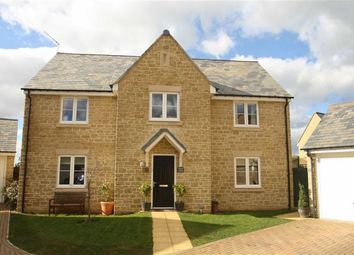 Thumbnail 4 bed detached house for sale in Roman Close, Kirtlington, Oxfordshire