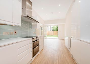 Thumbnail 2 bed flat to rent in Woodlands Park Road, London