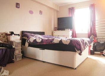 Thumbnail 2 bedroom flat for sale in Guinevere Gardens, Waltham Cross