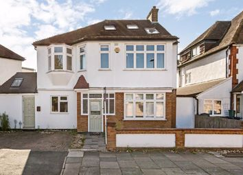 5 bed property to rent in Christopher Avenue, London W7