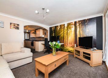 Penistone Walk, Romford RM3. 3 bed flat