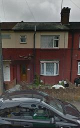 Thumbnail 3 bed terraced house to rent in Summerfield Road, Luton