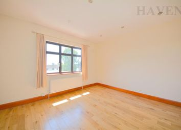 Thumbnail 1 bed flat to rent in Mays Lane, Barnet, London
