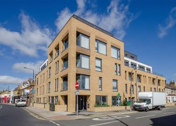 1 bed flat to rent in Palmerston Road, Wimbledon, London SW191Pb SW19