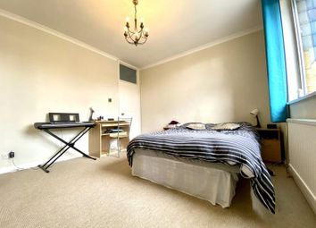 Room to rent in Greville Place, London NW6