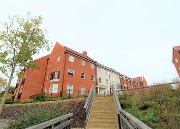 2 bed flat to rent in Ashville Way, Wokingham, Berkshire RG41