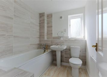 Thumbnail 3 bedroom flat to rent in Telegraph Place, London