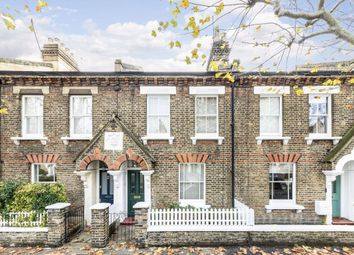 2 bed property for sale in Holden Street, London SW11