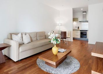 2 bed flat to rent in South Quay Square, London E14