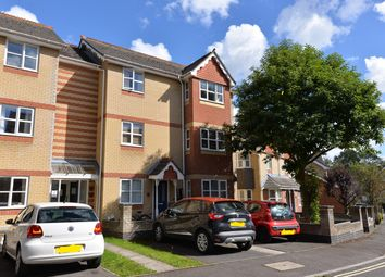 Thumbnail 1 bed flat to rent in Demesne Furze, Oxford