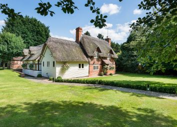 Thumbnail 4 bed detached house to rent in Reading Road, Eversley, Hook