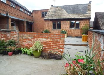 Thumbnail 2 bed flat to rent in Netherfield, Nottingham